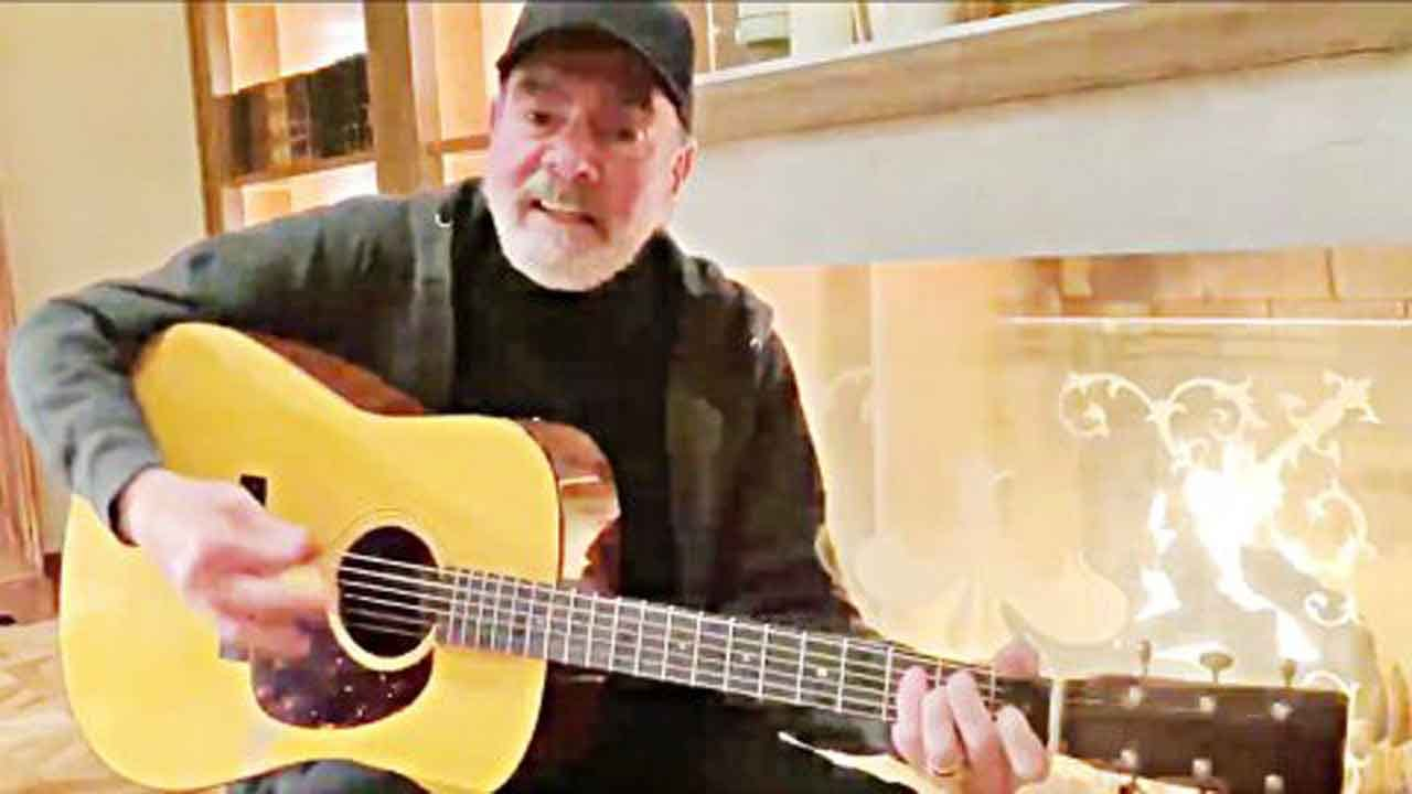 Neil Diamond Changes Lyrics Of 'Sweet Caroline' For Coronavirus PSA