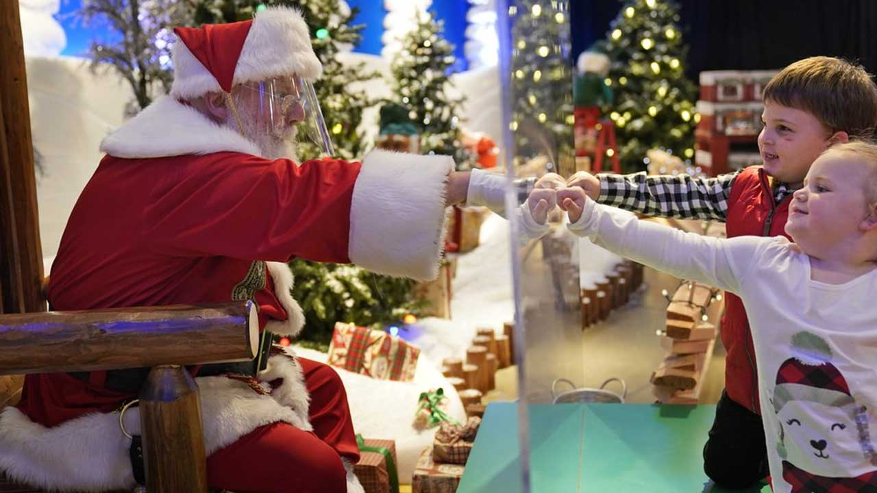 Here Comes Santa Claus - With Face Masks & Plexiglass