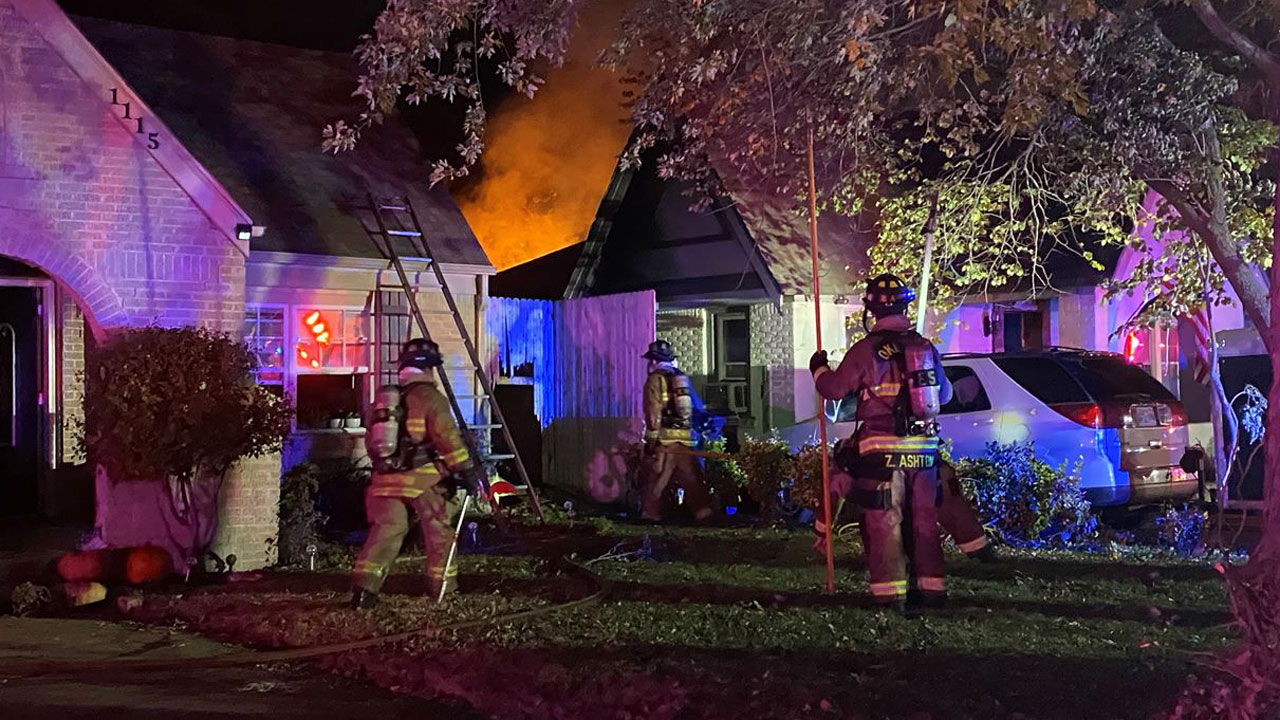 Firefighters Respond To NW OKC That Spread To 2nd Home