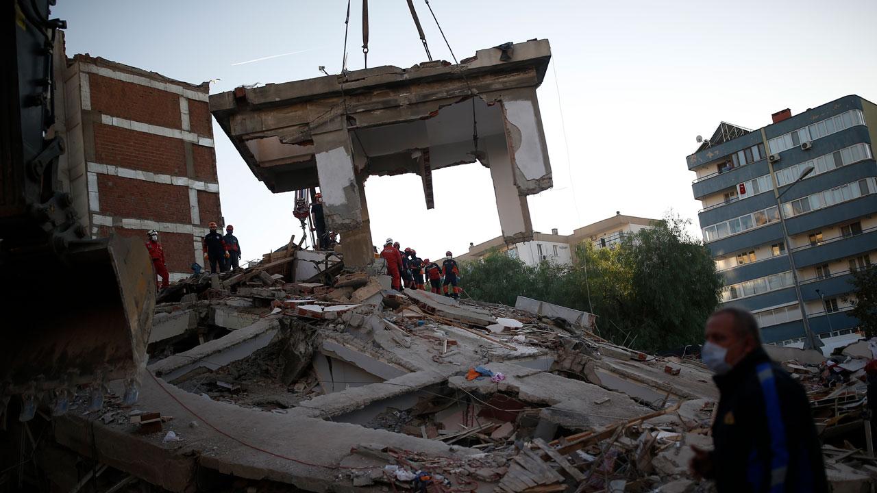 Death Toll Reaches 39 In Quake That Hit Turkey. Greek Island