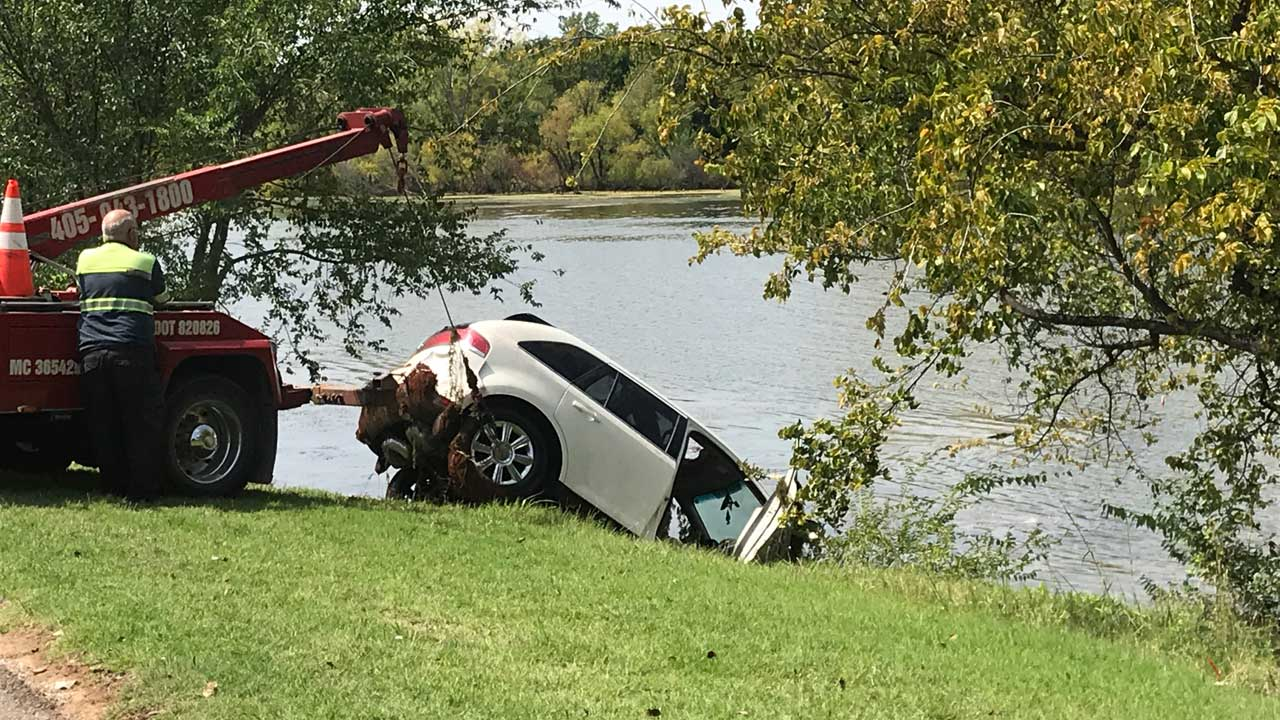 OKC Dive Team Pulls Submerged Vehicle Out From Lake Hefner, Saves Nearby Boater