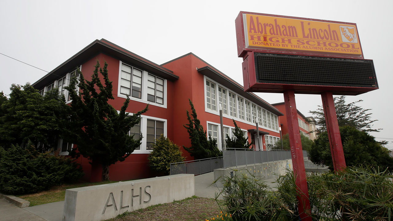 San Francisco Sues Its Own School District To Reopen Classes