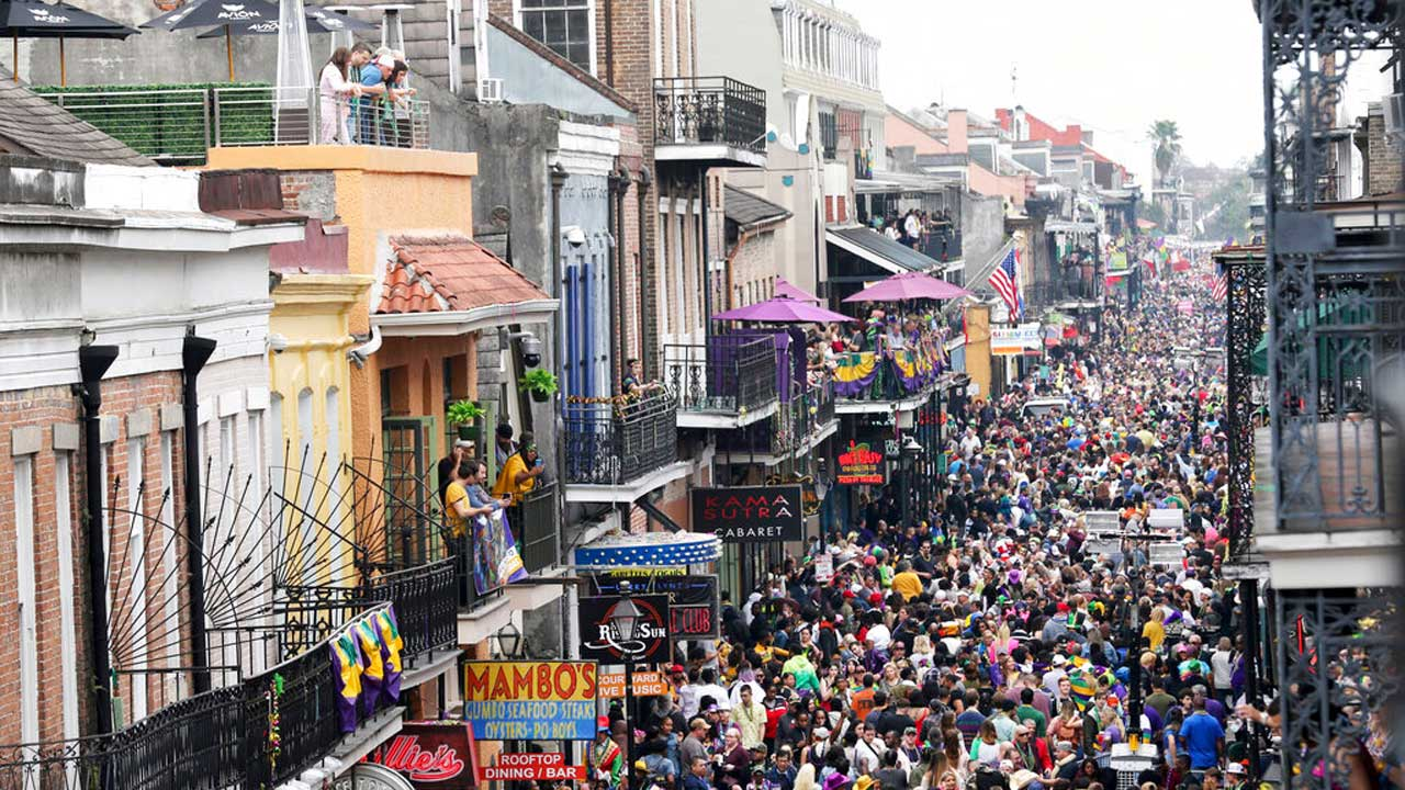 New Orleans Closes Bars, Bans To-Go Drinks For Mardi Gras Weekend