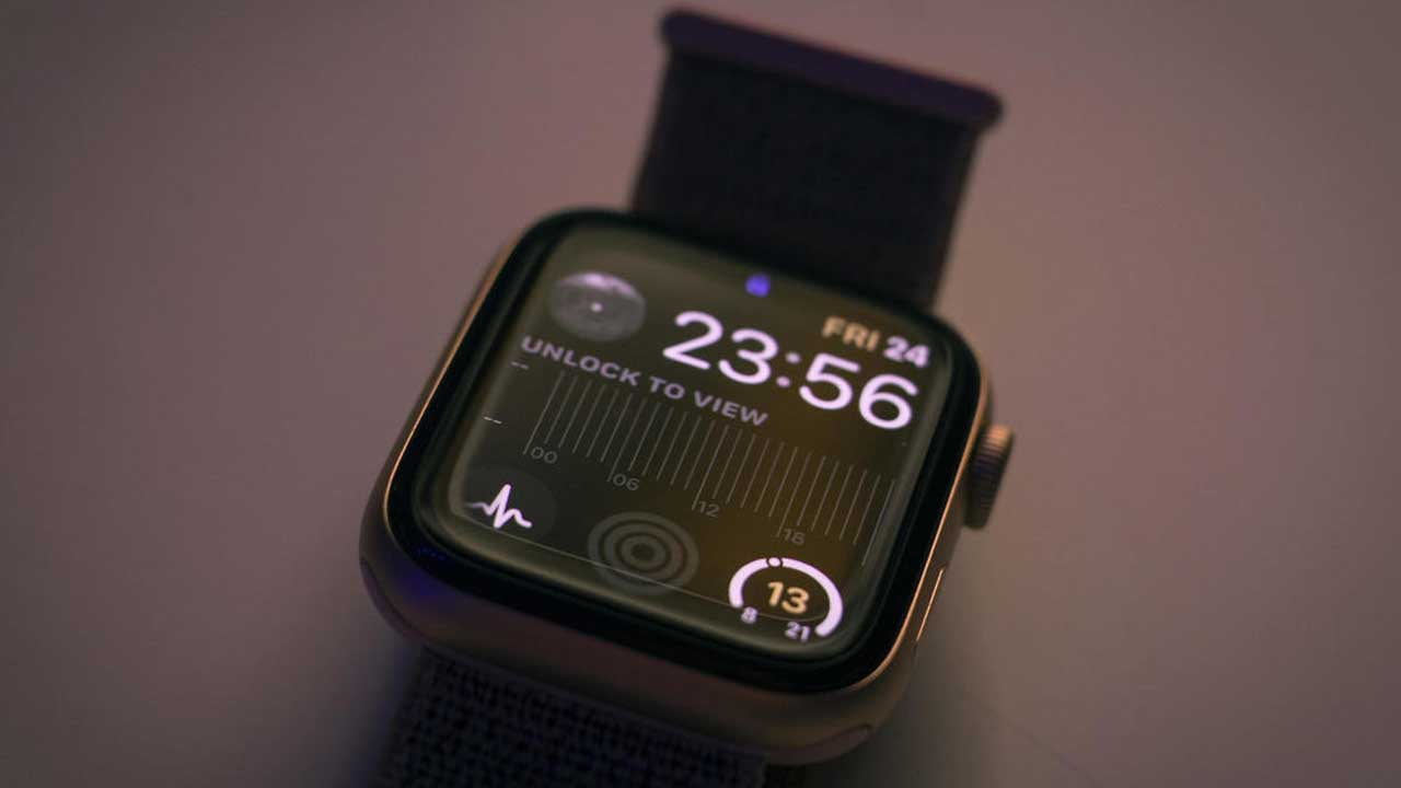 Smartwatches Can Help Detect COVID-19 Days Before Symptoms Appear