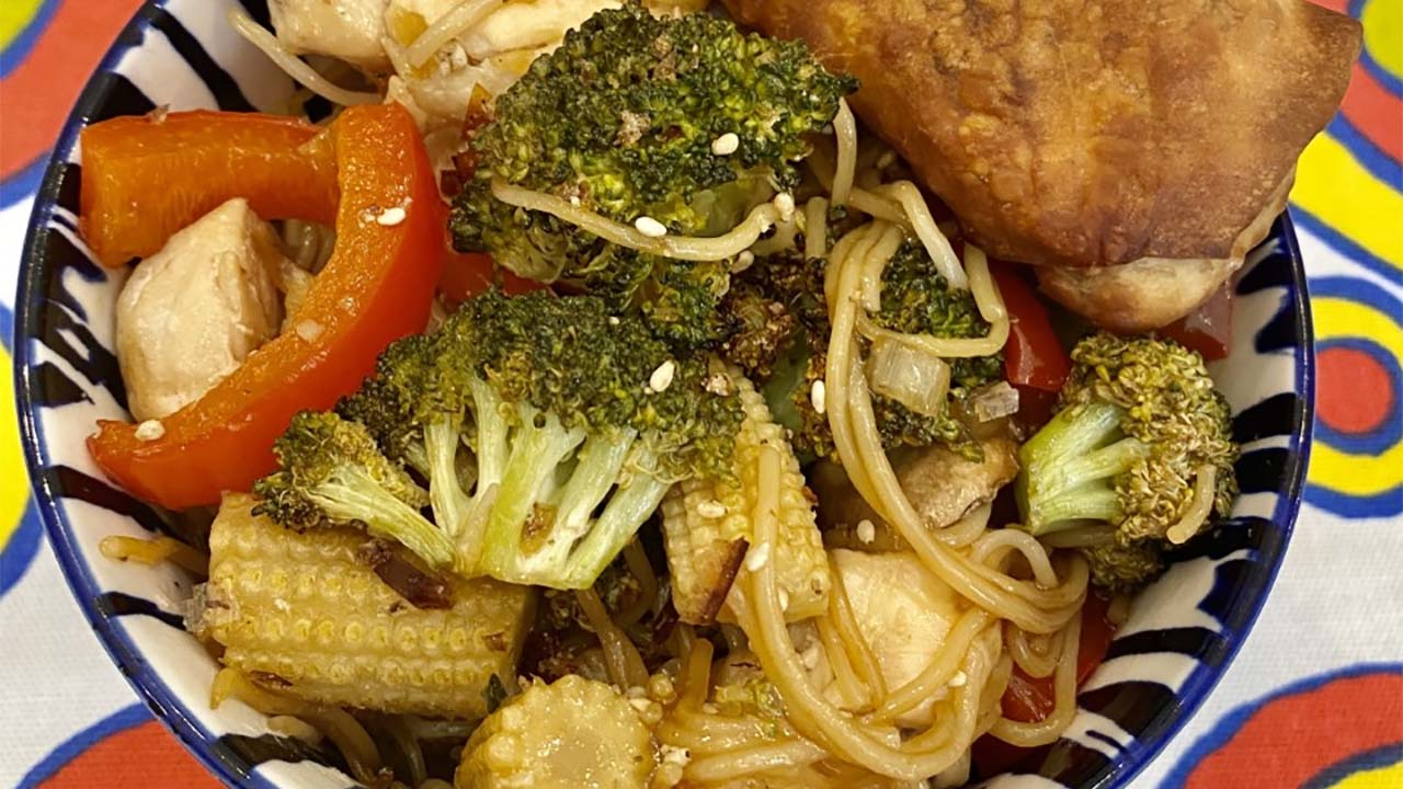 Sassy Mama: Sheet Pan Chow Mein & Sauce