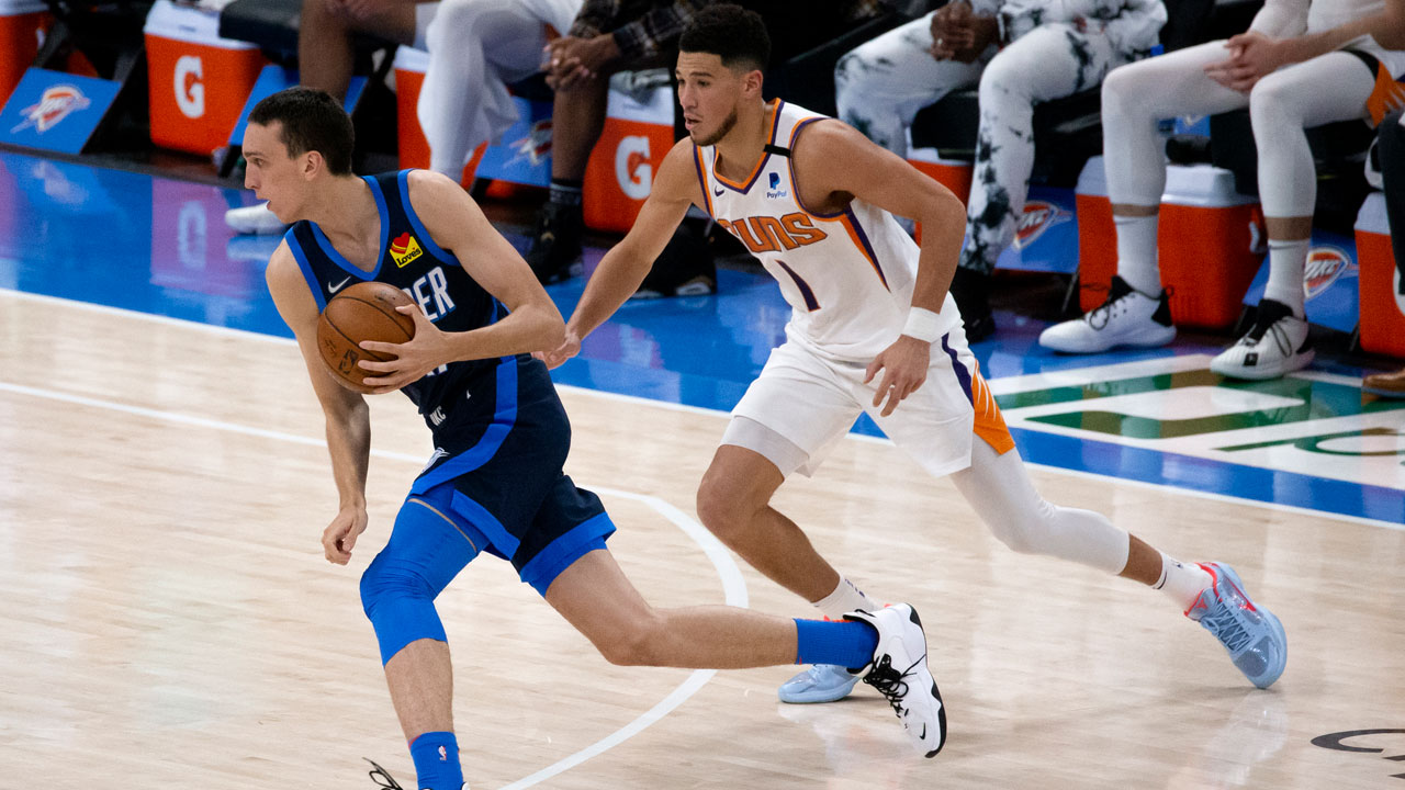 Booker Scores 32 As Suns Hold Off Thunder 123-120